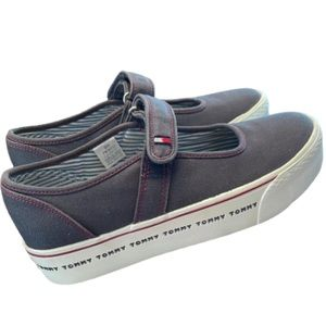 Tommy Hilfiger Women's 90's Mary Jane Sneakers 8M